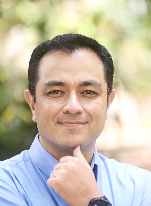 Américo Zúñiga Martínez, de Va por Jalapa, inició su campaña a la diputación por Jalapa urbano, este domingo.